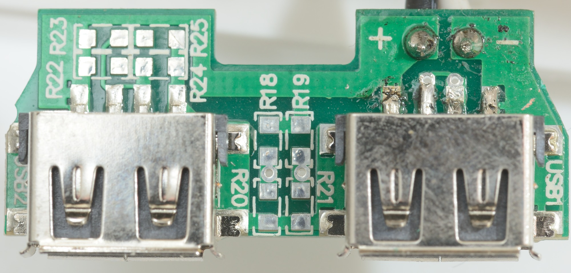 Test Of Hama Flush Socket With Two Usb Ports Circuit Board Connector The Is Only Connectors And Space For Coding Resistors These Are Not Used Data Pins Shorted On